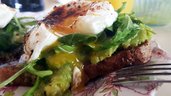 avocado_toast_with_poached_egg