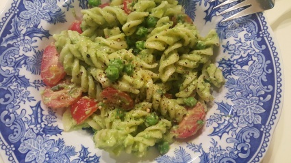 creamy_avocado_pesto_pasta