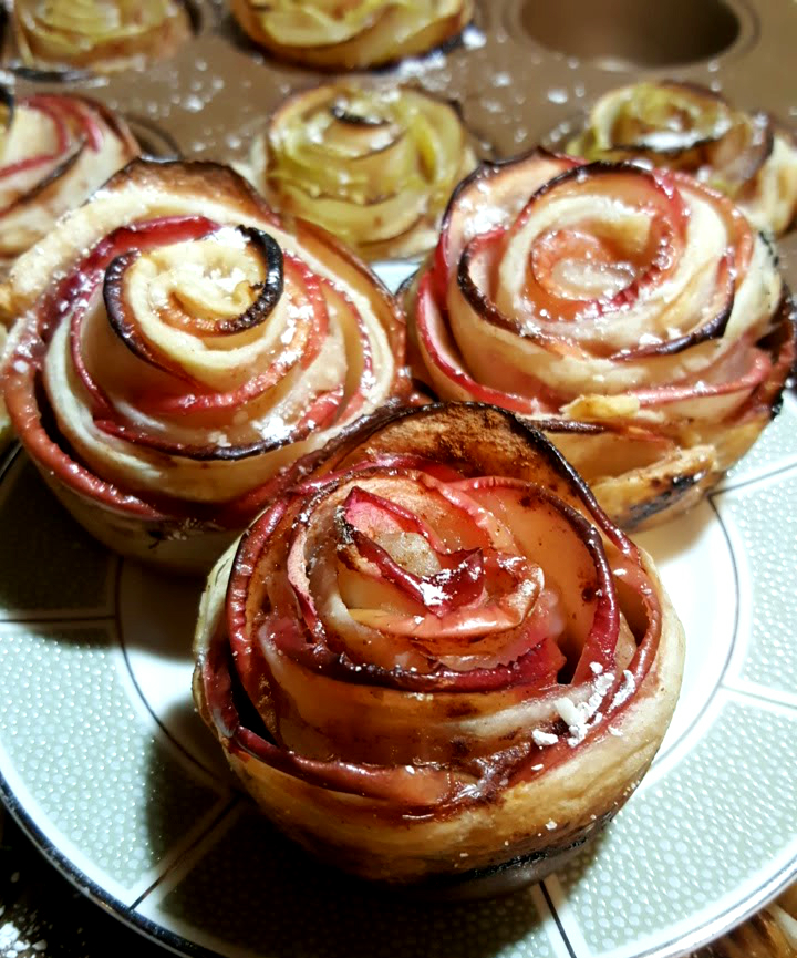 puff-pastry-apple-roses-detail