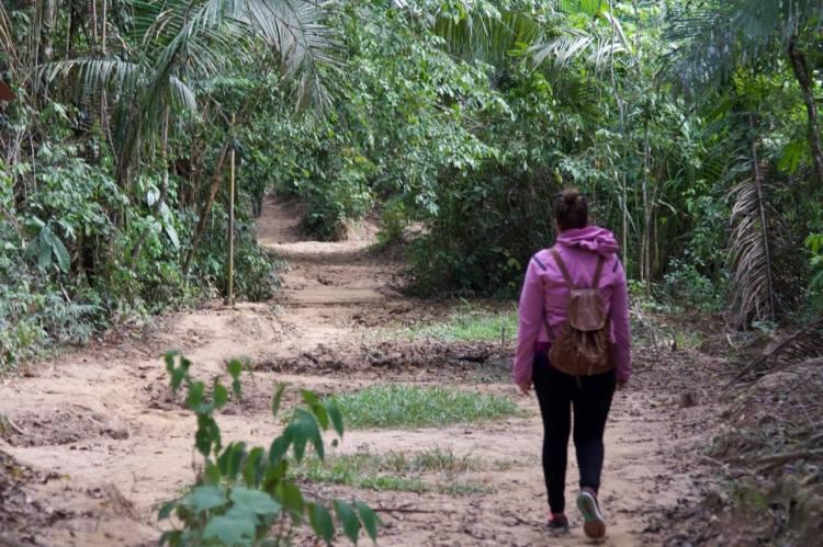 walking-in-the-peruvian-amazon