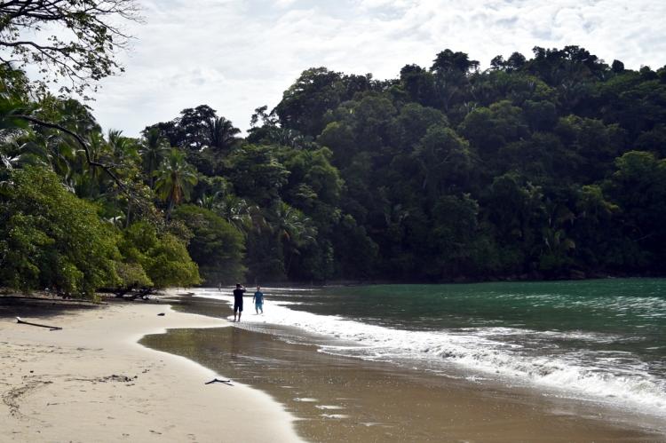 manuel-antonio-wild-beach