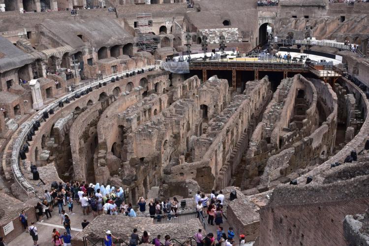 colosseum-rome-a-savory-planet