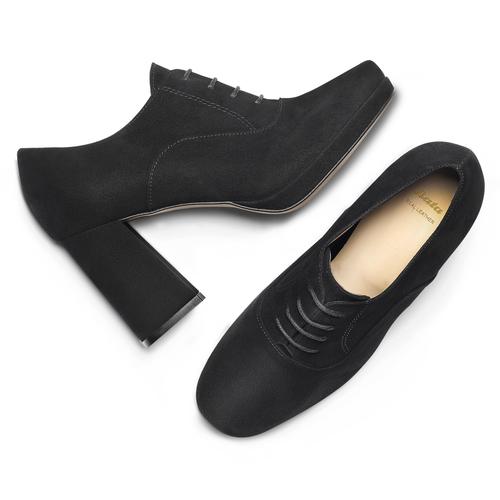 bata-heels